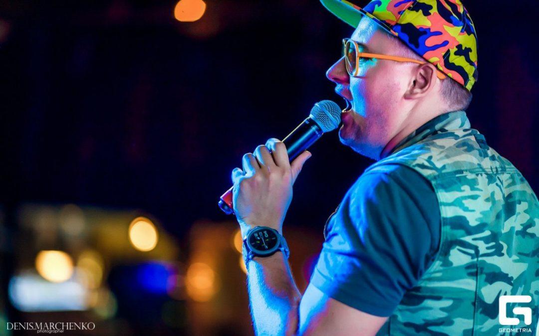 Денис Чудаев выступил в Ростове-на-Дону в составе группы Меломаны